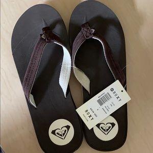 ROXY Chocolate color flip-flops